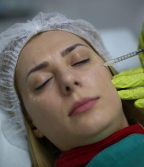 Primena Botoxa za rešavanje bora i hiperhidroza